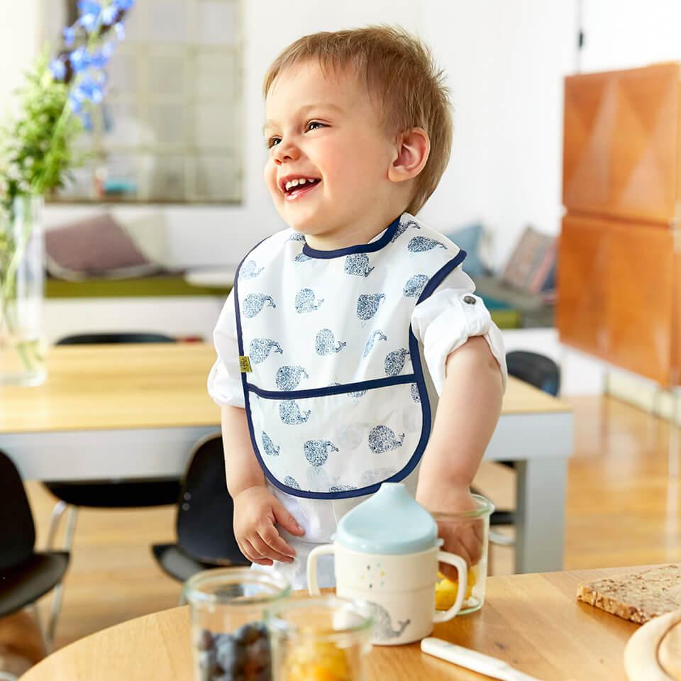 LAESSIG-Kindersicheres-zuhause-Tipps-fuer-Eltern-von-Babys-und-Kleinkindern-Hochstuhl