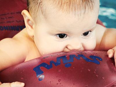 LAESSIG-Expertentipp-Hebamme-Babyschwimmen