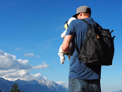 LAESSIG-Wickelrucksack-Tyve-Backpack-Vater-Papa-mit-Kind