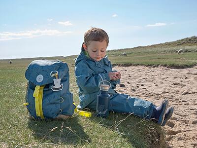 LAESSIG-DIY-Rucksack-Outdoor-Spielideen-Bastelideen-Tipps-Eltern-und-Kind