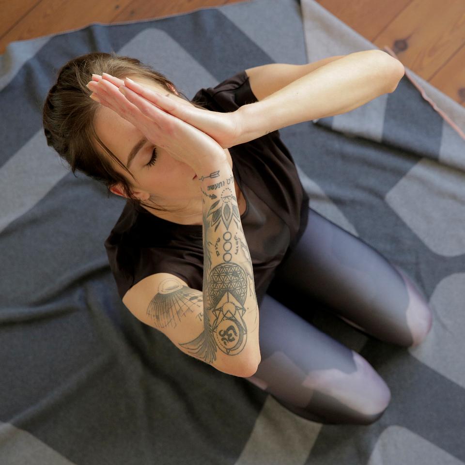 Yoga2_960x960px
